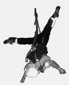 Kletteraktivistin beim Urantransport-Stopp